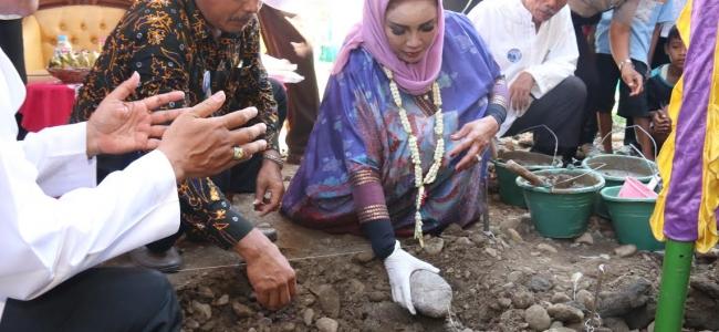 Rehab Mushola, Walikota Sumbang 100 Sak Semen