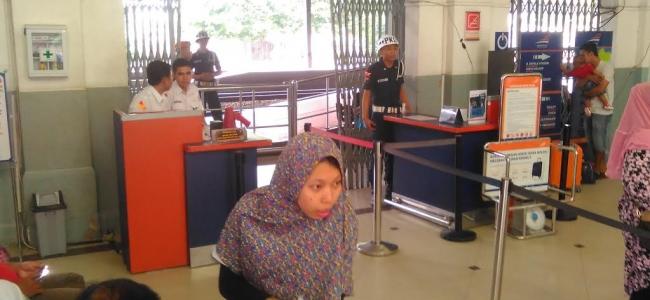 Semakin Mendekati Lebaran, Jumlah Penumpang Turun di Stasiun Tegal Meningkat