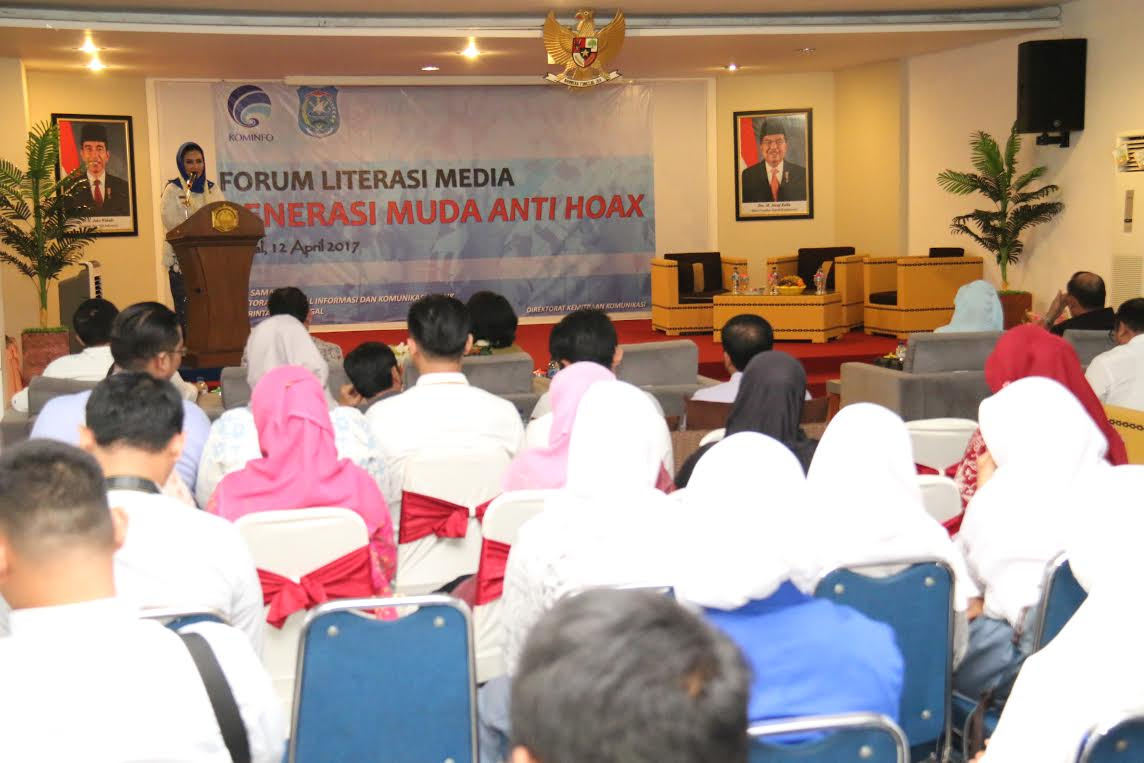 "Forum Literasi Media "" Generasi Muda Anti Hoax """